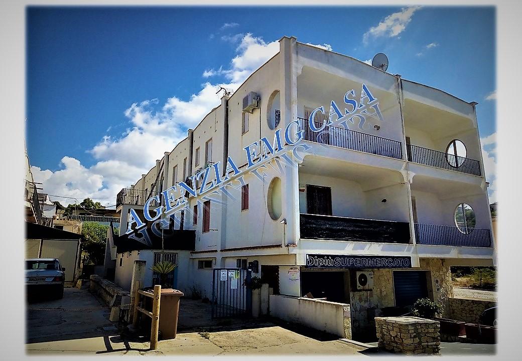 Splendido appartamento a 30 metri dalla spiaggia COD. AV120