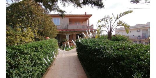 Comoda villa ideale per due famiglie
